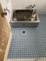 浴室床タイル貼り替え